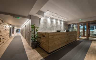 Revamp Your Office With Reclaimed Wood